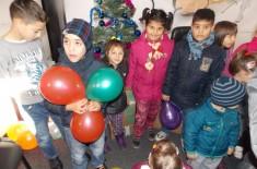 Novogodišnji paketići dodeljeni su deci tradicionalno u Udruženju građana EKSPRES